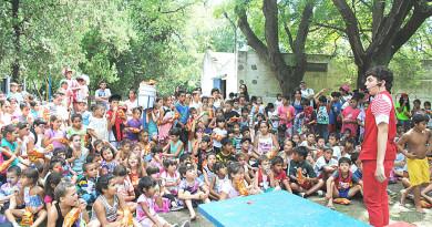 Nico Damonte y un público infantil tan entusiasta como numeroso