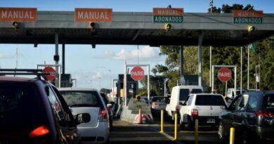 Repunta el turismo: Miles de vehículos viajan hacia la costa atlántica