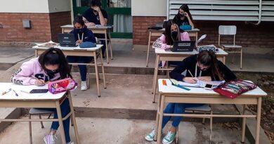 Las clases presenciales continuarán en Buenos Aires