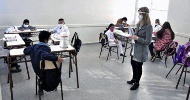 Convocan a docentes jubilados para las clases a contraturno en provincia
