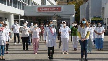 La provincia aumentará el salario de médicos y residentes hospitalarios